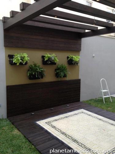 Fotos de jardines verticales paredes verdes for Jardines en paredes